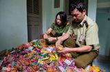 Tin tức - Hà Nội: Thu giữ gần 2.000 bánh trung thu siêu rẻ, không hạn sử dụng