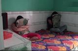 Tin tức - Bắt quả tang 4 đôi nam nữ đang mua bán dâm trong nhà trọ vùng quê