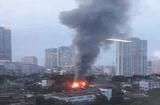Tin tức - Video: Cháy dữ dội trên đường Đê La Thành, cột khói cao hàng chục mét