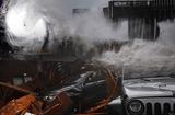 """Tin thế giới - Video cho thấy sức gió khủng khiếp khi siêu bão """"quái vật"""" Michael đổ bộ nước Mỹ"""