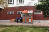Tin tức - Tháo gỡ 10 thỏi nghi thuốc nổ trong cây ATM ở Quảng Ninh