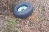 Tin tức - Đã tìm thấy chiếc lốp thứ hai của máy bay Vietjet gặp sự cố hạ cánh