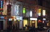 Tin thế giới - Triệt phá đường dây mại dâm lừa bán 100 phụ nữ Trung Quốc sang Singapore