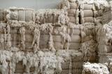 """Tin thế giới - Công ty Trung Quốc trả nợ bằng áo len, giăm bông... khiến giới đầu tư """"méo mặt"""""""