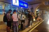 Tin tức - Video: Hành khách mắc kẹt tại sân bay Đà Nẵng do đường ngập nước