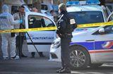 Tin thế giới - Xả súng, cướp xe chở phạm nhân ngay trước cửa tòa án Pháp