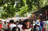 Tin trong nước - Chùa Hương: Hàng vạn người chen lấn chờ khai hội