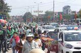 Tin tức - Sau nghỉ Tết, người dân ùn ùn đổ về Hà Nội, các cửa ngõ Thủ đô   kẹt cứng