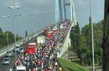 Tin trong nước - Dòng người kéo về TP. Hồ Chí Minh sau kỳ nghỉ Tết, cầu Mỹ Thuận tắc gần 10km