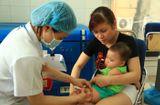 """Tin tức - Nguy cơ dịch sởi bùng phát vì cha mẹ chạy theo """"trào lưu"""" không cho con tiêm vaccine"""