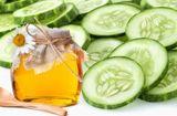 Thực phẩm - Làn da tươi mát với mặt nạ dưa chuột và mật ong