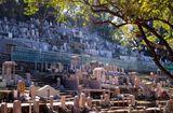 Tin thế giới - Hong Kong: Đất để chôn cất người chết đắt đỏ hơn cho người sống