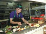 Ngôi Sao - Đàm Vĩnh Hưng trổ tài làm đầu bếp nhà hàng