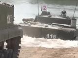 Video-Hot - Xe tăng T-90 của Nga thể hiện tài vượt hố sâu