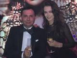 Đại gia 55 tuổi kết hôn với người mẫu 18 tuổi sau 4 năm chờ đợi