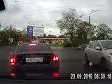 Video-Hot - Khuất tầm nhìn, Audi sang chảnh gây tai nạn thảm khốc