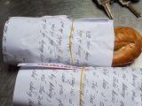 Video-Hot - Gói bánh mì, xôi bằng giấy báo có thể bị phạt 1 triệu đồng