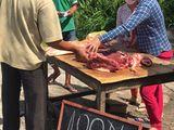 100 nghìn đồng mua được 4kg thịt heo