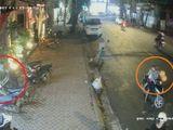 Clip: Đôi nam nữ chở theo trẻ nhỏ, dàn cảnh trộm xe giữa phố Sài Gòn