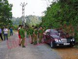 Giật mình phát hiện 3 người trong một gia đình chết bất thường trong xe Mercedes