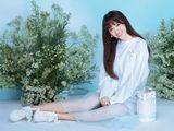 Bị chê béo, Hari Won tung bộ hình khoe dáng chuẩn cùng trang phục pastel