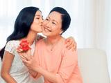 Ngày Lễ Vu Lan báo hiếu: Tặng hộp quà dinh dưỡng đong đầy yêu thương