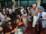400 bệnh nhân khó khăn được mổ mắt miễn phí