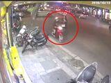 Tin tức - Video: Tên cướp giật phăng điện thoại của cô gái đi bộ trên phố Hà Nội