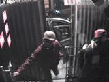 Tin tức - Clip: Băng trộm đi xế sang đến khoắng sạch cửa hàng thời trang trong tích tắc