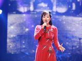 """Diva Hồng Nhung xin lỗi khán giả vì hát nhầm ca khúc """"Thu vàng"""""""