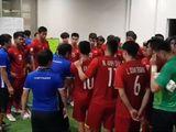 Tin tức - Video: Xúc động cảnh thầy trò đội tuyển Việt Nam động viên nhau