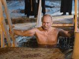 Video - Video: Tổng thống Putin cởi trần, ngâm mình dưới hồ nước lạnh giá