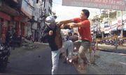 Video: Thanh niên đánh nhau như