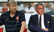 Ghét nhau cùng cực, nhưng Mourinho vừa cùng Wenger tạo nên