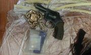 Bắt giang hồ đất Cảng dùng súng và ma túy ép thiếu nữ
