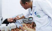Dồn dập bệnh nhân nhập viện do sốt xuất huyết: Giường bệnh thiếu, bác sĩ kiệt sức