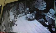 Đôi nam nữ gặp nạn trong thang máy toà nhà Hei Tower