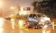 Ô tô mất phanh tông hàng loạt xe máy, 6 người bị thương