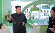 Ông Kim Jong-Un đưa vợ đến thăm nhà máy mỹ phẩm