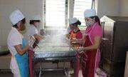 Người gây ngộ độc thực phẩm ảnh hưởng sức khỏe nghiêm trọng 5-20 người có thể bị tù 5 năm