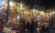 Phố Hàng Mã rực rỡ sắc màu đón Giáng sinh