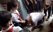 Vụ 2 nữ sinh đánh bạn: Hiệu trưởng sẽ xin lỗi phụ huynh, học sinh của trường