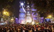 Người dân cả nước háo hức ra đường đón Giáng sinh
