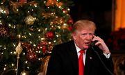 Ông bà Trump trò chuyện qua điện thoại với trẻ em trong đêm Giáng sinh