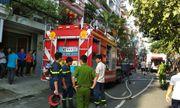 TP.HCM: Cháy công ty in vải, 5 người thoát chết