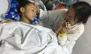 Bé gái vỡ nát xương chậu, dập tầng sinh môn sau tai nạn