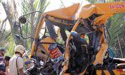 Xe cứu hộ đâm container trên cầu Phú Mỹ, 3 người chết