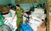 Phát hiện cơ sở sản xuất hơn 900 kg bột ngọt giả