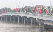Hải Phòng: Cầu vượt sông 80 tỷ bị tàu đâm gãy trụ