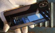 Cận cảnh chiếc iPhone X mạ vàng 18K của Bentley